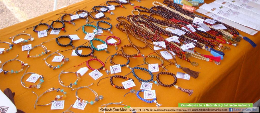 feria_holistica_malas_artesanales_pulseras_espirituales_artesania_costa_rica